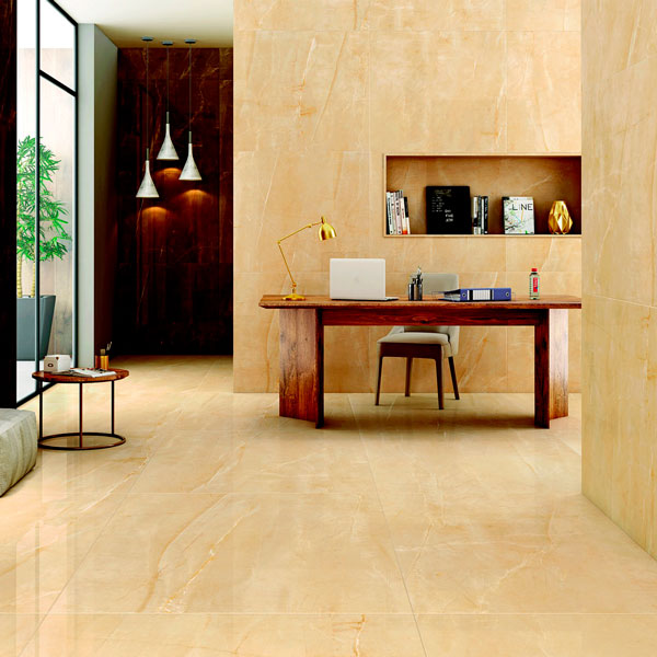 habitación con solados y alicatados de mármol, realizados por albañil alicante