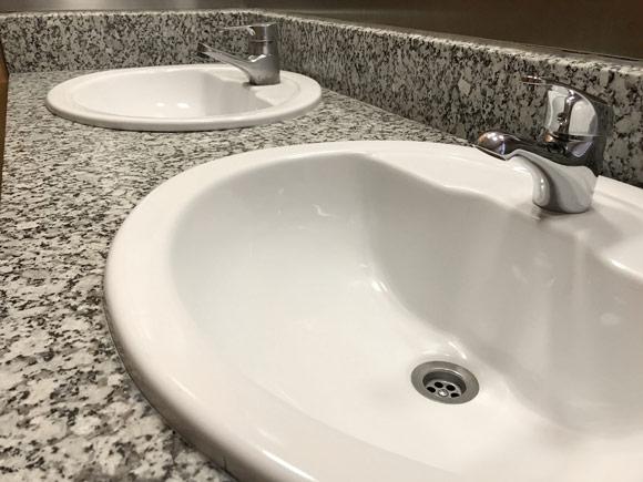 encimeras de baño de granito: una opción duradera